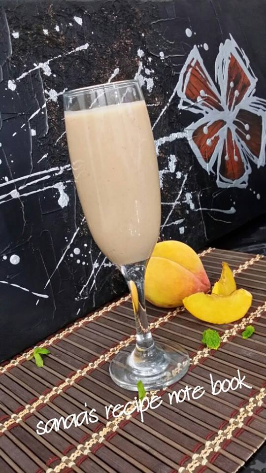 Peach - Berry Smoothie - sanaa's recipe