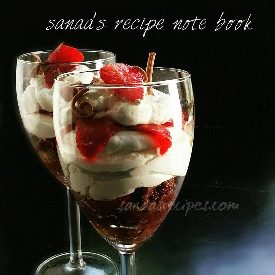 Strawberry Brownie Parfait - sanaa's recipe