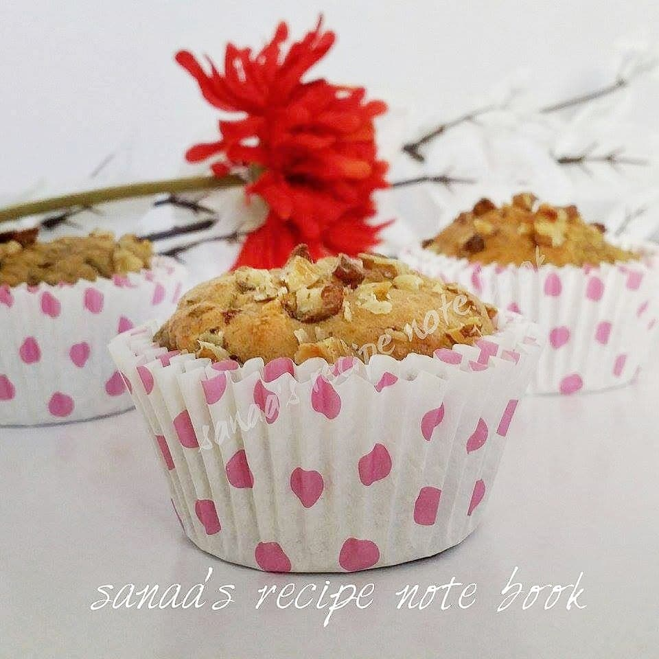 Whole Wheat Banana Walnut Muffins - sanaa's recipe